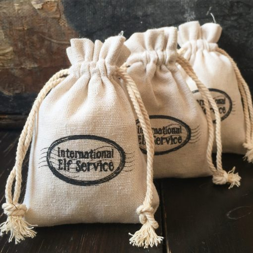 These natural Linen Christmas Gift Bags are all ready for the Elves to pop some treats in for your child to find on Christmas morning. Perfect Stocking Fillers!