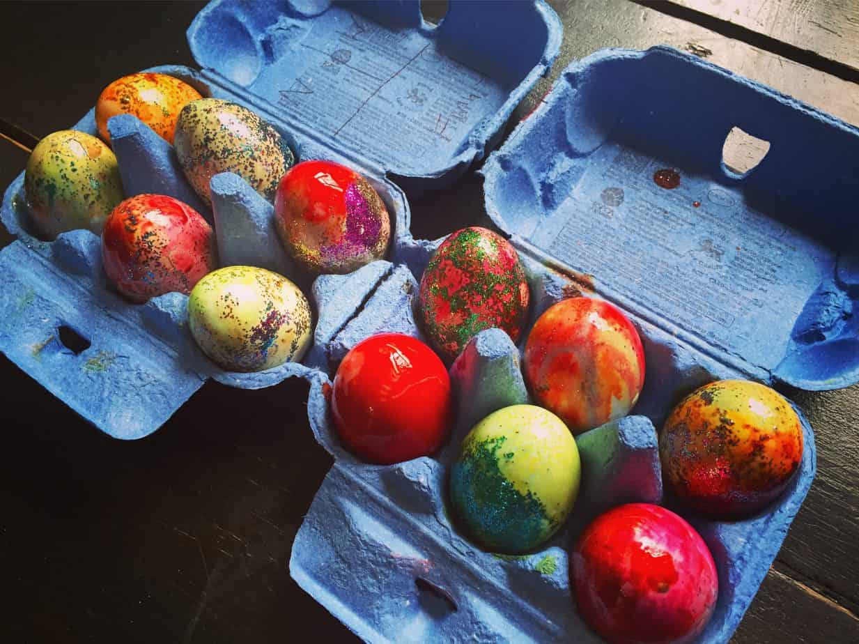 How to colour Easter Eggs for the Easter Bunny to hide overnight for you to find!