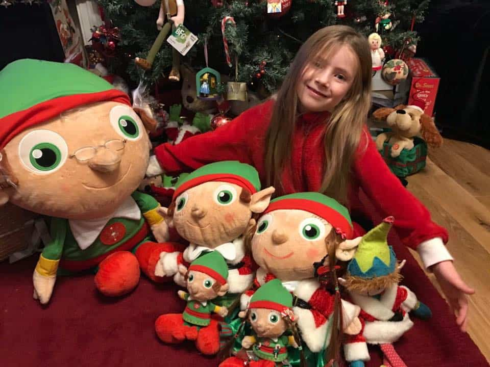 Magical Christmas Traditions To Do With Your Kids - International Elf Service
