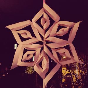 How to make beautiful paper snowflakes! International Elf Service