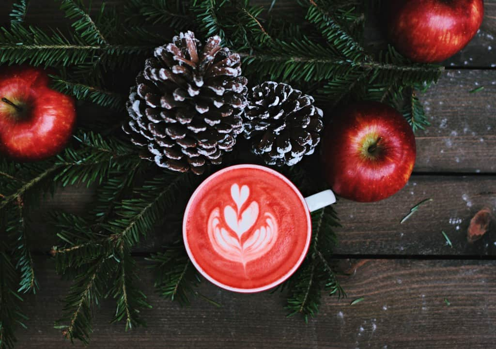 Create A Magical Christmas On A Budget - tips by the International Elf Service