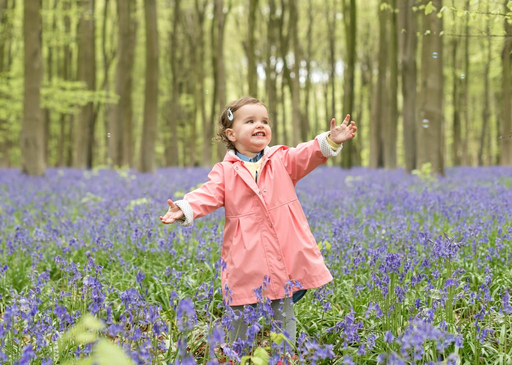 PHOTOGRAPHING KIDS: 10 TIPS TO CAPTURE THOSE MAGICAL MOMENTS – Guest Post by Emily Gregory for the International Elf Service